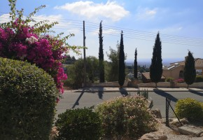 Bungalow For Sale  in  Kamares - Tala