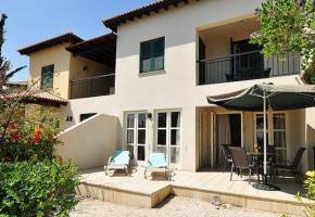 2 bedroom townhouse in Aphrodite Hills
