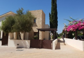 Semi Detached Villa For Sale  in  Aphrodite Hills