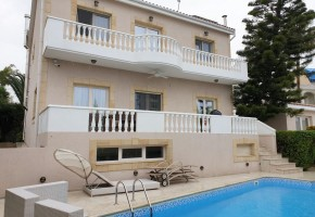 Detached Villa For Sale  in  Agios Tychonas
